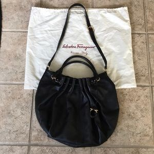 Ferragamo handbag- like new (gently used)!
